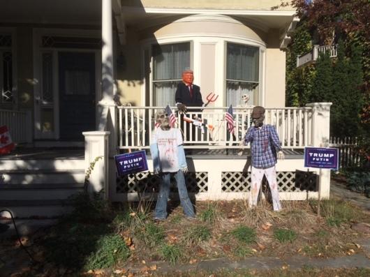 טראמפ במרפסת